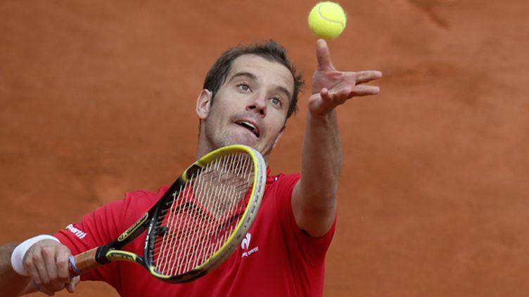 Gasquet au service (PATRICK KOVARIK / AFP)