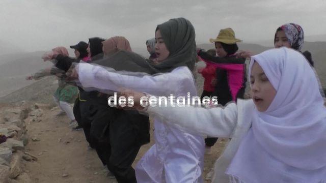 À Quetta, au Pakistan, des femmes hazaras se sont mises au karaté pour contrer les attaques dont leur communauté peut faire l'objet.