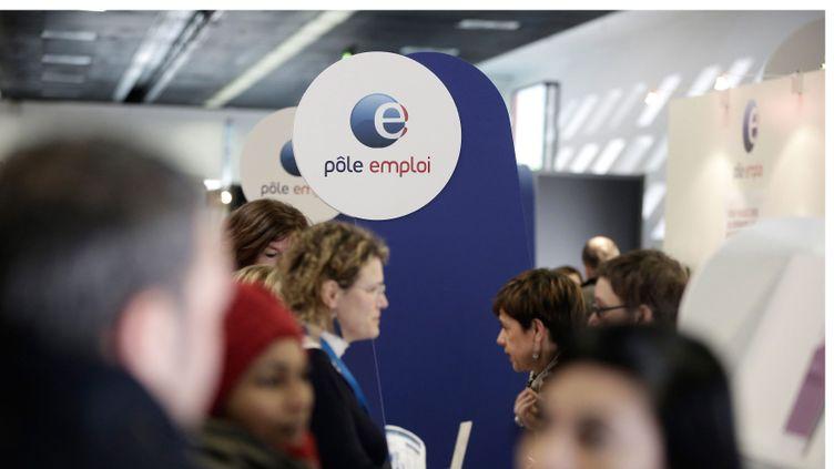 (Le gouvernement doit présenter une vingtaine de mesures censées aider les chômeurs de longue durée à retrouver un emploi. © Maxppp)