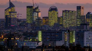 Vue du quartier de La Défense, à Paris, où se situent plusieurs sièges de grandes entreprises. (VINCENT ISORE / MAXPPP)