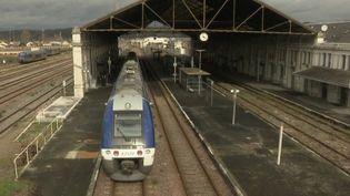 Avec la fin du monopole de la SNCF sur l'exploitation des rails, des lignes de train arrêtées depuis quelques annéesvontrevoir le jour. C'est le cas de la jonction Lyon-Bordeaux. (CAPTURE ECRAN FRANCE 3)