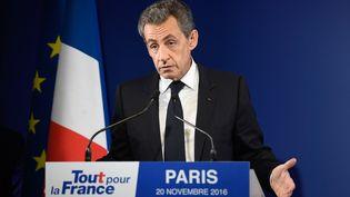 Nicolas Sarkozy lors d'un meeting, le 20 novembre 2016 à Paris. (ERIC FEFERBERG / AFP)
