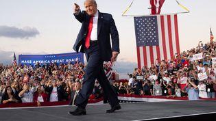 Donald Trump lors d'un meeting de campagne, à Orlando (Floride, Etats-Unis), le 12 octobre 2020. (SAUL LOEB / AFP)