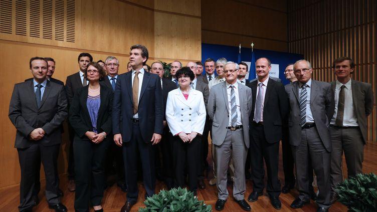 Arnaud Montebourg (C), lors de la présentation des 22 commissaires au redressement productif, le 2 juillet 2012 au ministère de l'Economie, à Paris. (THOMAS SAMSON / AFP)