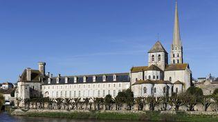 Surnommée la « Sixtine romane », l'abbaye de Saint-Savin sur Gartempe (département de Vienne) est décorée de très nombreuses peintures murales des XIe et XIIe siècles, conservées dans un état remarquable. (GUY CHRISTIAN / HEMIS.FR / AFP )