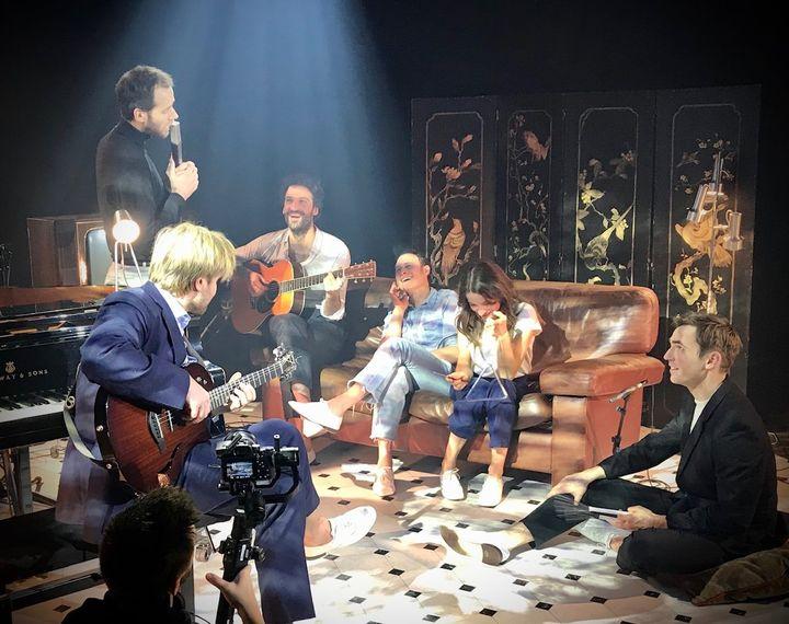 """""""Le boeuf sur la table"""", les jeunes comédiens du Français dévoilent leurs talents de musiciens (Comédie-Française)"""