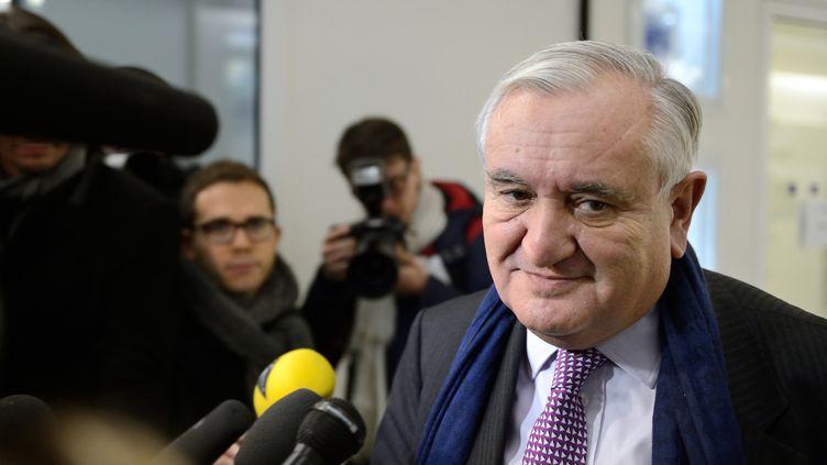 Jean-Pierre Raffarin, ancien Premier ministre et vice-président de l'UMP, le 19 décembre 2012 à Paris. (ERIC FEFERBERG / AFP)