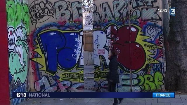 Attentats de Paris : l'hommage des artistes de rue aux victimes