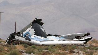Un morceau du vaisseau spatial SpaceShipTwo après son crash dans le désert de Mojave (Etats-Unis), le 31 octobre 2014. (LUCY NICHOLSON / REUTERS)