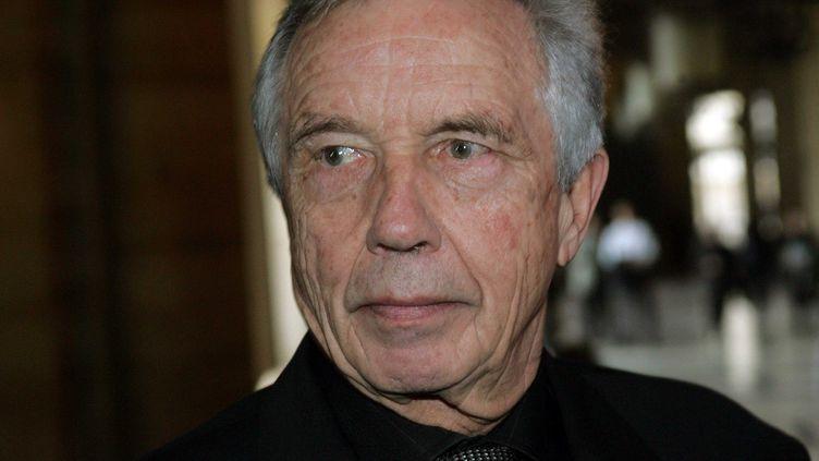 L'ancien président de la Région Ile-de-France Michel Giraud, le 21 mars 2005 au tribunal de Paris. (NIKO / SIPA)
