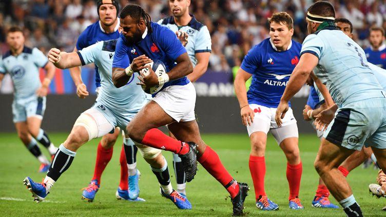 Alivereti Raka marque son premier essai sous le maillot de l'équipe de France, le 17 août 2019, à Nice. (PASCAL GUYOT / AFP)