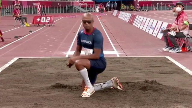 Grâce à un saut à 6m15, Ronan Pallier décroche la médaille de bronze au saut en longueur T11 ! Le Français termine à 32 centimètres du chinois, champion paralympique.