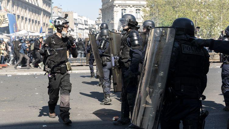 Le journaliste indépendant Gaspard Glanz a été interpellé par la police le 20 avril 2019 à Paris. (SAMUEL BOIVIN / NURPHOTO / AFP)