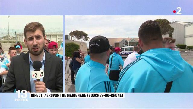Football : les supporters de l'OM attendent le retour des joueurs