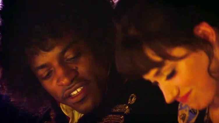 "Andre 3000 est Jimi Hendrix dans le biopic ""All is by my Side"". Ici avec l'actrice Imogen Poots qui incarne Linda Keith.  (Droits réservés)"