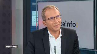 Henri Poupart-Lafarge, PDG d'Alstom, était l'invité éco de franceinfo le mercredi 2 septembre (capture écran). (FRANCEINFO / RADIOFRANCE)