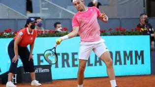 Casper Ruud lors des quarts de finale du Masters 1000 de Madrid, le 7 mai 2021 (LAURENT LAIRYS / AFP)