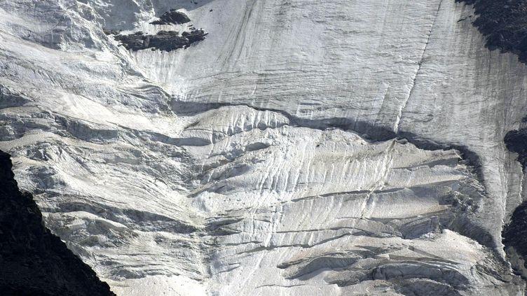 Photo prise au Nid d'Aigle le 10 août 2003 sur le glacier de Bionnassay, dans le massif du Mont-Blanc (illustration). (JEAN-PIERRE CLATOT / AFP)