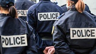 Des policiers à Lille (Nord), le 30 avril 2021. (DENIS CHARLET / AFP)