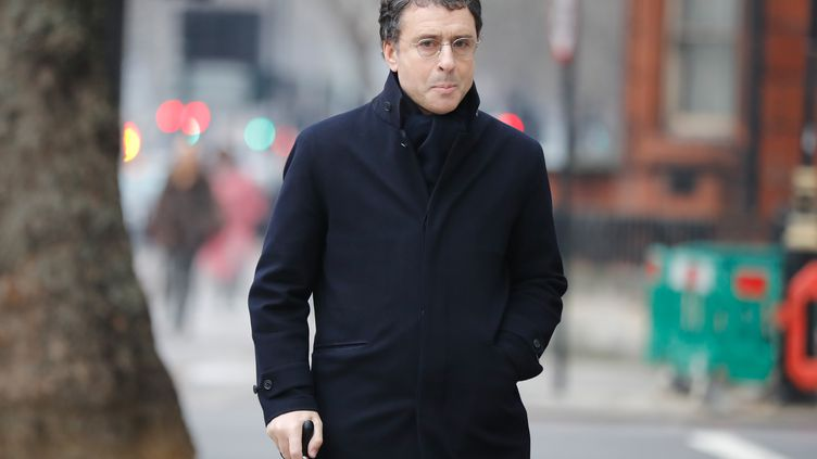 L'homme d'affaires Alexandre Djouhri se rend au tribunal chargé de statuer sur son extradition, le 21 janvier 2019 à Londres. (TOLGA AKMEN / AFP)