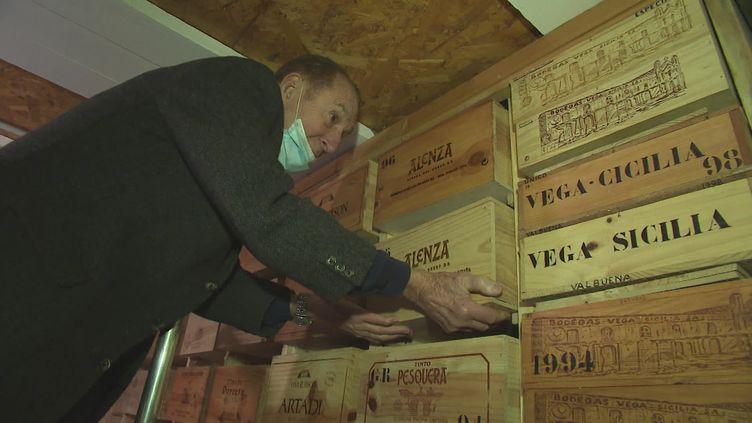 Avec plus de 50 000 grands crus du monde entier, ce collectionneur veut ouvrir un musée des vins d'exception. (France 3)