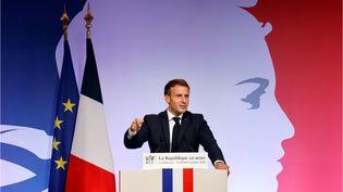 """Le président Emmanuel Macron prononce undiscourssur les """"séparatismes""""et la laïcité, le 2octobre 2020auxMureaux(Yvelines). (LUDOVIC MARIN / AFP)"""