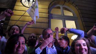L'écologiste Pierre Hurmic élu maire de Bordeaux (Gironde), le 28 juin 2020, lors du second tour des municipales. (NICOLAS TUCAT / AFP)
