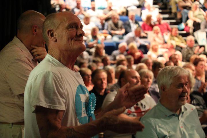 Rob McCormick, militant du Brexit Party, à Gloucester, au Royaume-Uni, le 22 mai 2019. (MARIE-ADELAIDE SCIGACZ / FRANCEINFO)