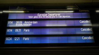 Les liaisons Eurostar entre Paris et Londres suspendues en raison des nouvelles restrictions liées au Covid-19, à la gare de Saint-Pancras de Londres, lundi 21 décembre 2020. (NIKLAS HALLE'N / AFP)