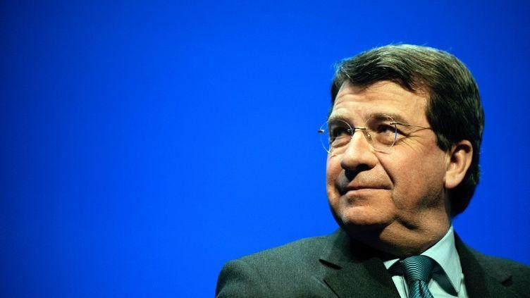 L'ancien ministre de l'Education Xavier Darcos, le 11 mars 2010 à Bordeaux (Gironde). (JEAN-PIERRE MULLER / AFP)