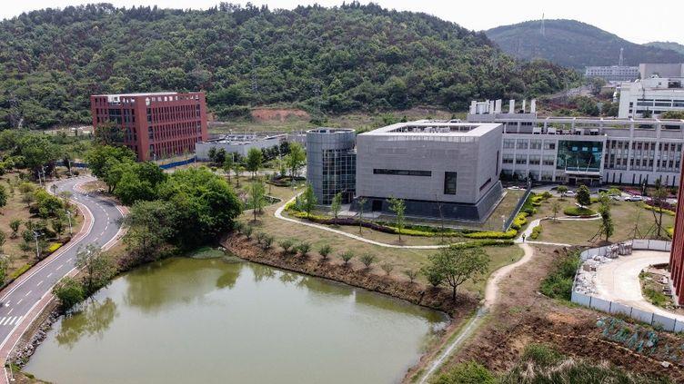 Lelaboratoire P4 de Wuhan (Chine), au sein de l'Institut de virologie, le 17 avril 2020. (HECTOR RETAMAL / AFP)