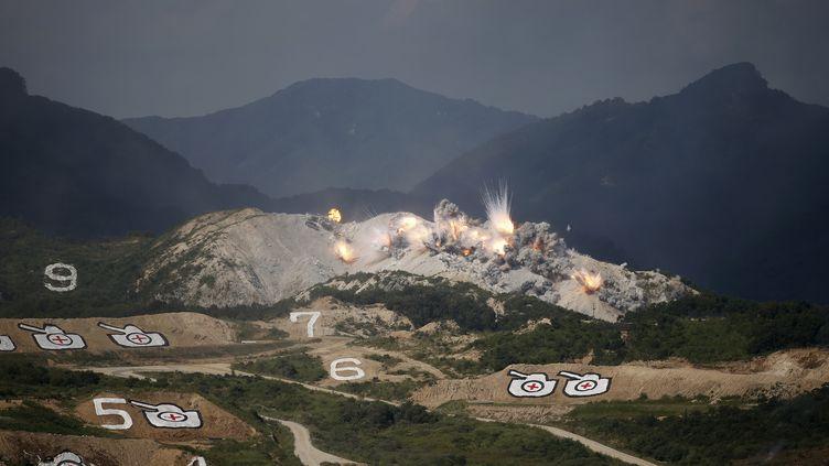 La Corée du Sud et les Etats-Unis ont réalisé un exercice militaire conjoint à grande échelle près de la frontière avec la Corée du Nord. Les manœuvres se sont achevées le 28 août 2015. (KIM HONG-JI / REUTERS)