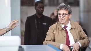 Jean-Luc Mélenchon arrive au tribunal de Bobigny pour le deuxième jour de son procès, le 20 septembre 2019. (MARTIN BUREAU / AFP)
