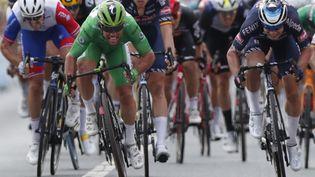 Mark Cavendish, vainqueur au sprint de la 6e étape du Tour de France, le 1er juillet 2021. (GUILLAUME HORCAJUELO / AFP)