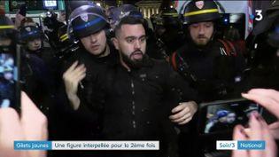 """Un leader des """"gilets jaunes"""", Eric Drouet, arrêté à Paris (France 3)"""