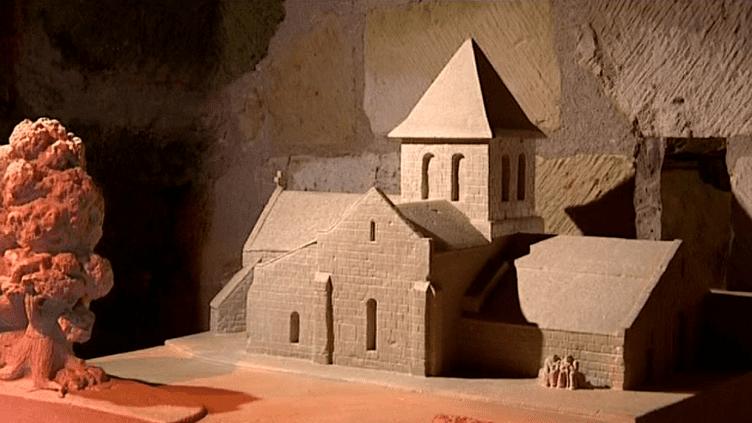 Le sculpteur Philippe Cormand a reproduit plusieurs édifices saumurois  (France 3 / Culturebox)