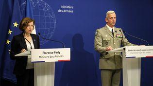 La ministre Florence Parly et le chef d'état-major François Lecointre donnent une conférence de presse à Paris, le 10 mai 2019. (JACQUES DEMARTHON / AFP)