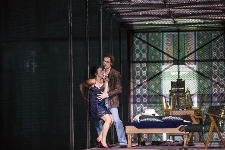 """""""Lady Macbeth de Mzensk"""" : l'érotisme est débridé (ici Katerina et Sergueï) dès le 1er acte. (Bernd Uhlig / Opéra national de Paris)"""