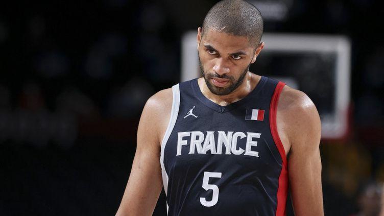 Le Français Nicolas Batum aux Jeux olympiques de Tokyo, le 7 août 2021. (ANN-DEE LAMOUR / CDP MEDIA / AFP)
