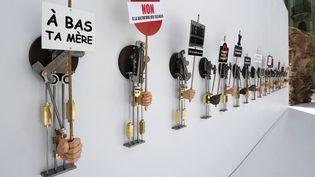"""""""Les agitateurs"""", une oeuvre de Philippe Mayaux exposée au Grand Palais en 2009 dans le cadre de """"La Force de l'Art 02"""".  (Guillaume Clément / AFP)"""