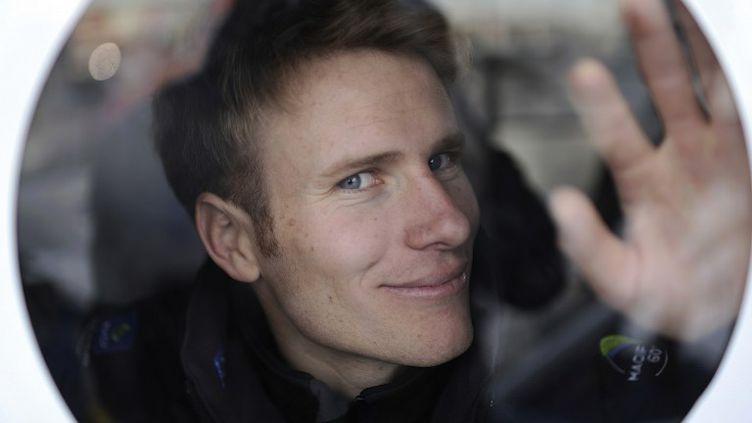 François Gabart à bord du Macif le 8 novembre 2012. (JEAN-SEBASTIEN EVRARD / AFP)