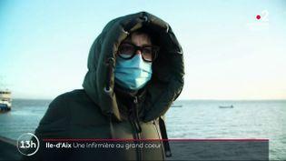 Lorsque la campagne de vaccination commencera, l'État devra s'appuyer sur les professionnels de santé libéraux, en particulier dans les endroits difficiles d'accès.Reportage sur l'Ile-d'Aixen Charente-Maritime. (France 2)