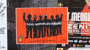 Une affiche de soutien aux chibanis, le 17 janvier 2015 à Paris. (RICHARD HOLDING / CITIZENSIDE / AFP)