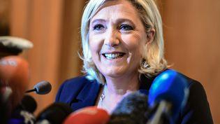 La présidente du Rassemblement national, Marine Le Pen, donne une conférence de presse à Milan (Italie), le 18 mai 2019. (MIGUEL MEDINA / AFP)