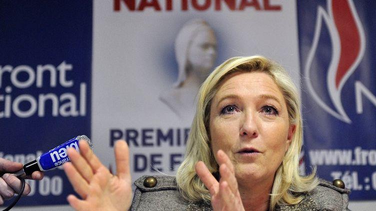 La présidente du Front national Marine Le Pen lors d'une conférence de presse à Orléans (Loiret) le 6 mars 2015. (GUILLAUME SOUVANT / AFP)
