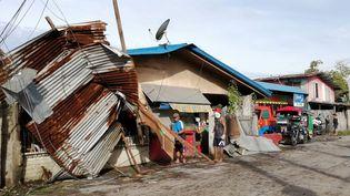 Unemaisonravagée par le typhon Phanfone à Ormoc City, dans la province de Leyte, au centre des Philippines, le 25 décembre 2019.  (RONALD FRANK DEJON / AFP)