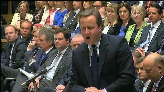 """""""Au nom du ciel, partez !"""", lance Cameron à Corbyn à la Chambre des communes"""