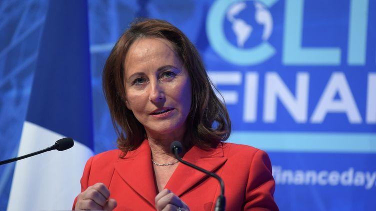 """L'ex-ministre de l'Environnement Ségolène Royal, le 11 décembre 2017 au """"One Planet Summit"""" à Paris. (ERIC PIERMONT / AFP)"""
