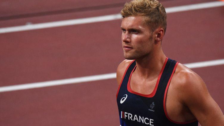 Kevin Mayer à l'occasion du décathlon olympique des Jeux de Tokyo, mercredi 4 août. (YOANN CAMBEFORT / AFP)