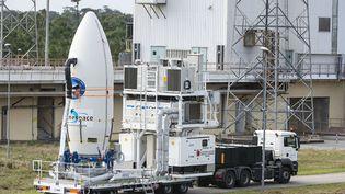 Baptisé IXV, l'engin mesure cinq mètres de long et pèse environ deux tonnes. (HO / CNES / AFP)